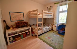 Photo 11: 2022 E 3RD Avenue in Vancouver: Grandview VE House for sale (Vancouver East)  : MLS®# R2219361