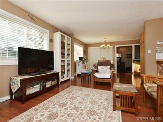 Photo 3: 4146 Interurban Rd in VICTORIA: SW Strawberry Vale House for sale (Saanich West)  : MLS®# 692903
