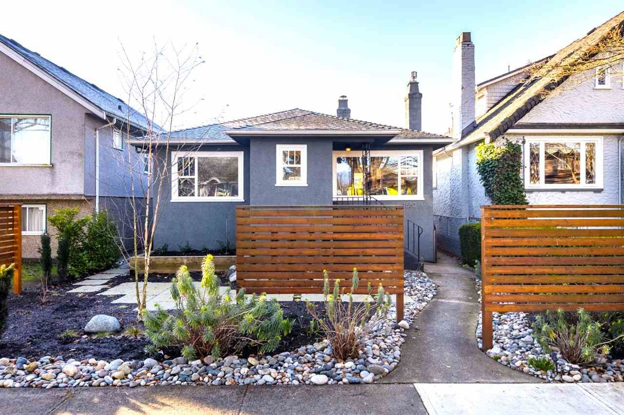 Main Photo: 2552 WILLIAM Street in Vancouver: Renfrew VE House for sale (Vancouver East)  : MLS®# R2443758