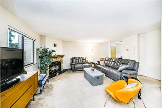 "Photo 4: 203 7182 133A Street in Surrey: West Newton Townhouse for sale in ""Suncreek Estates"" : MLS®# R2538111"