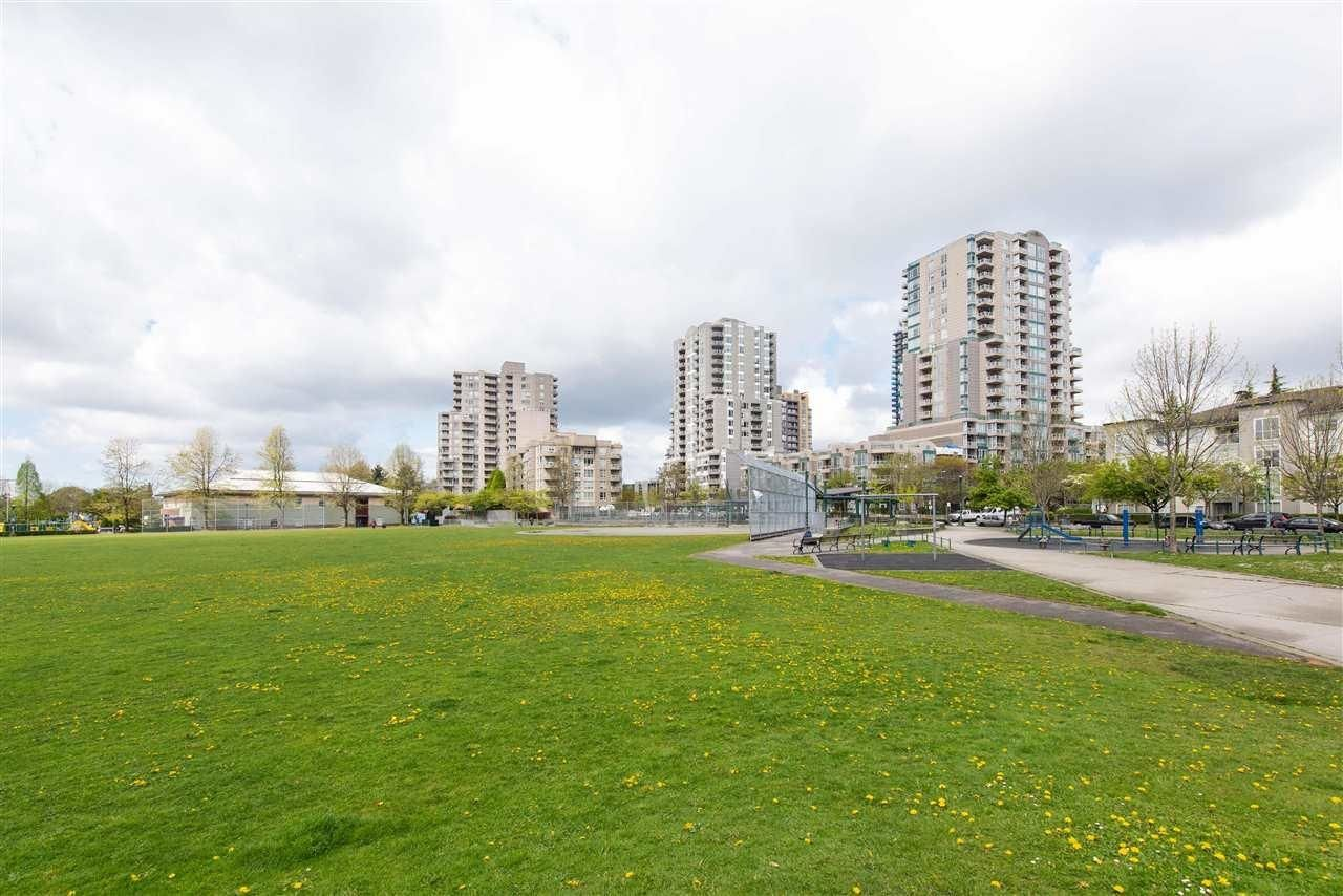 Main Photo: 1107 5189 GASTON Street in Vancouver: Collingwood VE Condo for sale (Vancouver East)  : MLS®# R2622259