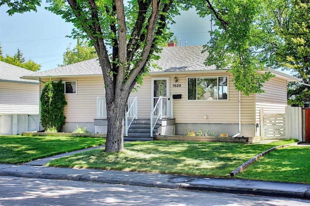 Main Photo: 7620 21 A Street SE in Calgary: Ogden Detached for sale : MLS®# A1119777