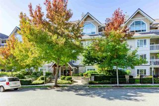 """Photo 1: 407 1685 152A Street in Surrey: King George Corridor Condo for sale in """"Suncliff Place"""" (South Surrey White Rock)  : MLS®# R2506686"""