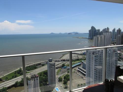 Main Photo: Great apartment in Coco del Mar -