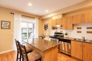 """Photo 14: 13 16789 60 Avenue in Surrey: Cloverdale BC Townhouse for sale in """"LAREDO"""" (Cloverdale)  : MLS®# R2623351"""