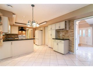"""Photo 2: 743 KINGFISHER Place in Tsawwassen: Tsawwassen East House for sale in """"FOREST BY THE BAY"""" : MLS®# V1094511"""