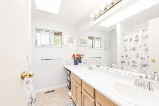 Photo 14: 2428 MARIANA Place in Coquitlam: Cape Horn House for sale : MLS®# R2493106
