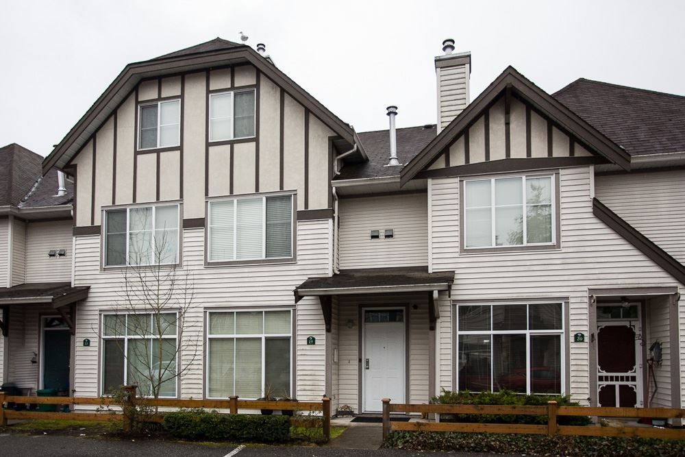 Main Photo: 19 6465 184A Street in Surrey: Cloverdale BC Townhouse for sale (Cloverdale)  : MLS®# R2145774