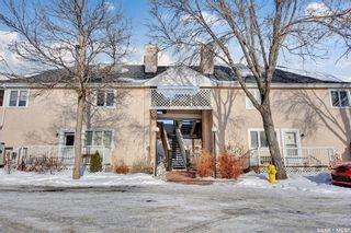Main Photo: H 5 Neill Place in Regina: Douglas Place Residential for sale : MLS®# SK848577