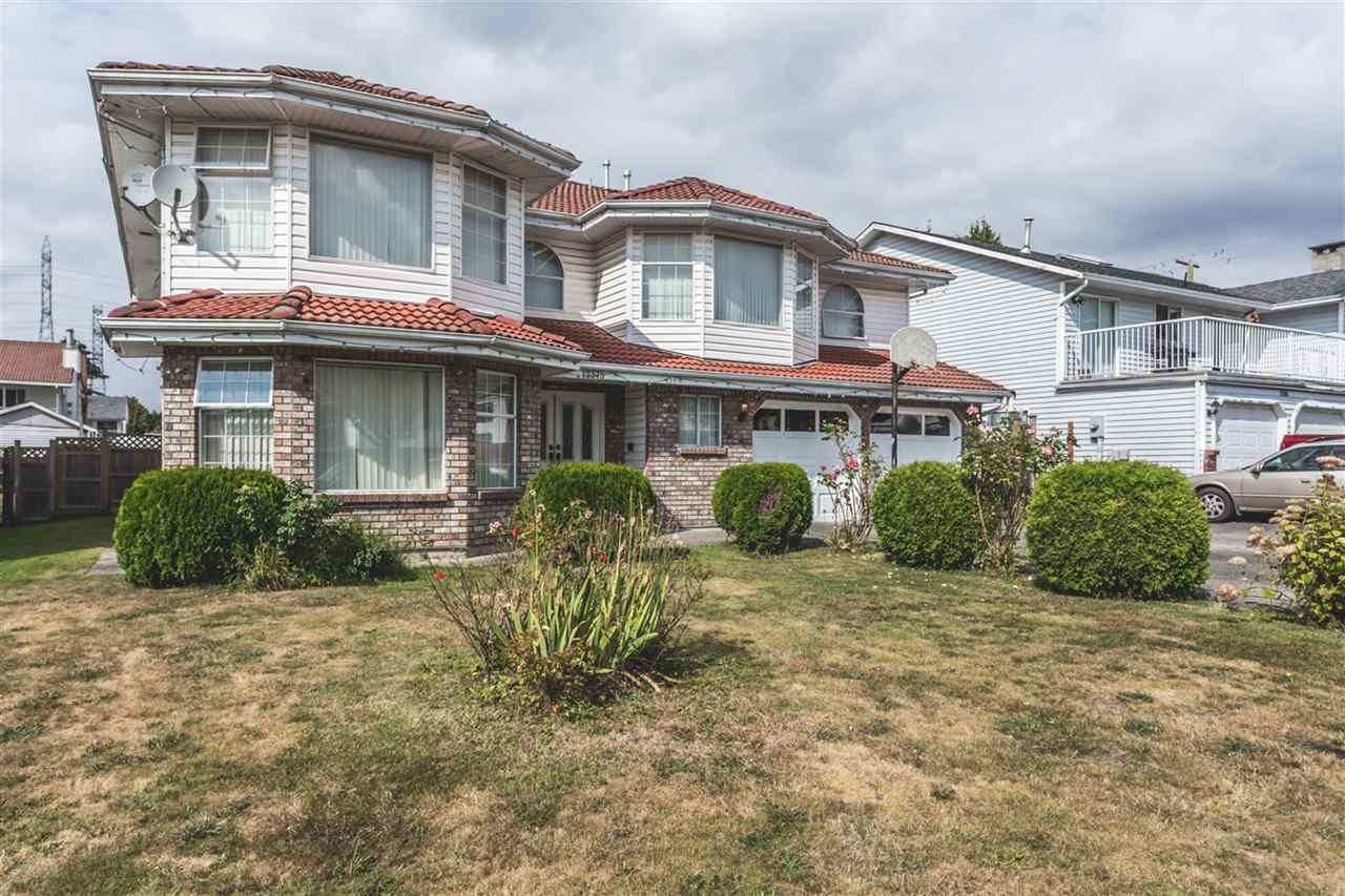 Main Photo: 12375 72A Street in Surrey: West Newton House for sale : MLS®# R2096500