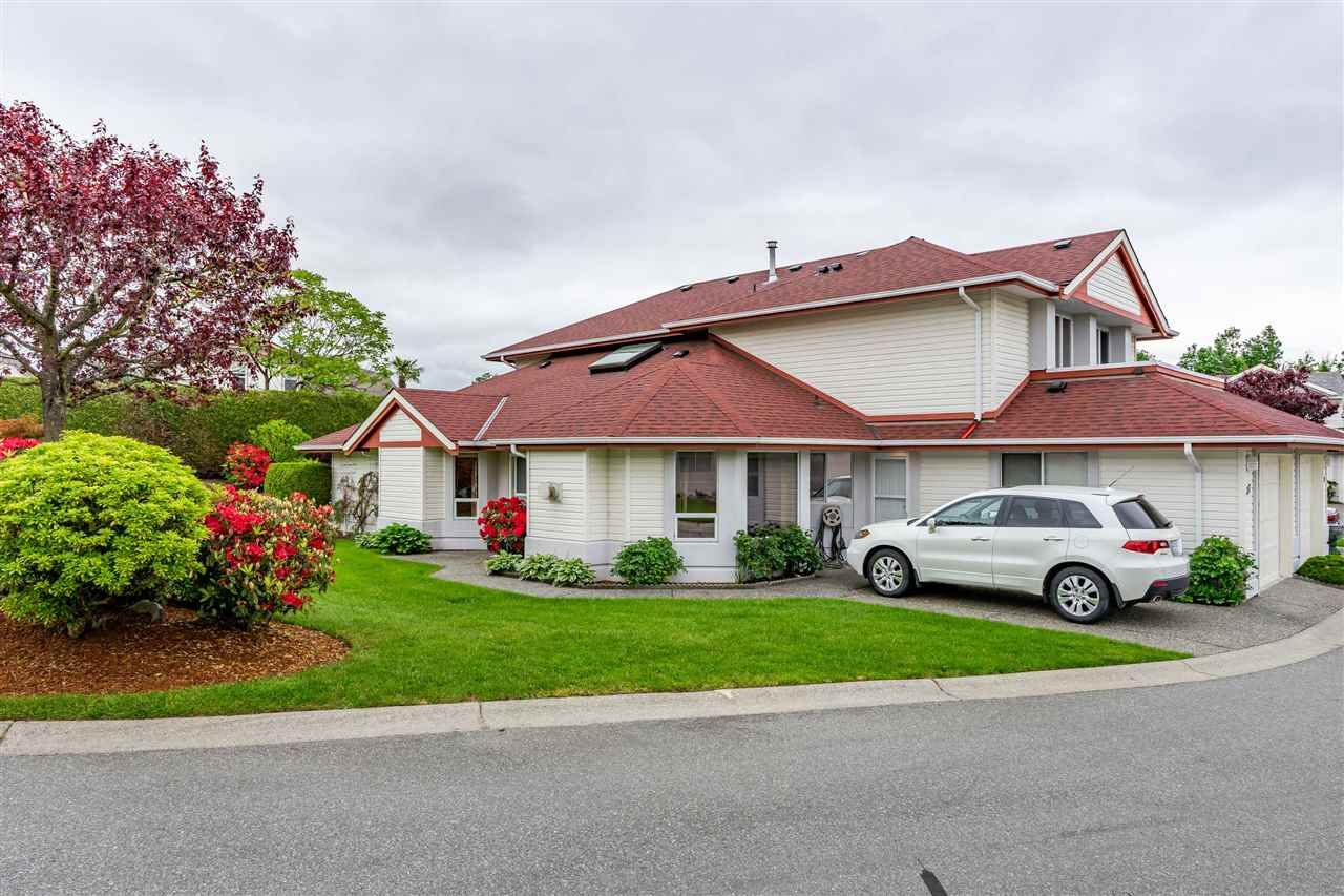 Main Photo: 37 31406 UPPER MACLURE Road in Abbotsford: Abbotsford West Townhouse for sale : MLS®# R2458489