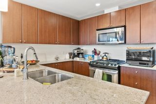 """Photo 6: 2209 280 ROSS Drive in New Westminster: Fraserview NW Condo for sale in """"Carlyle"""" : MLS®# R2617510"""