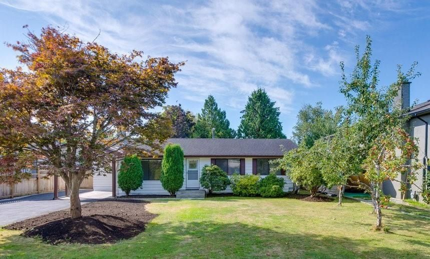 Main Photo: 5794 GROVE Avenue in Delta: Hawthorne House for sale (Ladner)  : MLS®# R2612551
