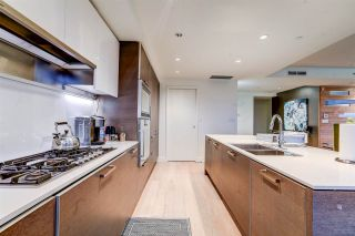 """Photo 10: 2701 1499 W PENDER Street in Vancouver: Coal Harbour Condo for sale in """"West Pender Place"""" (Vancouver West)  : MLS®# R2520927"""