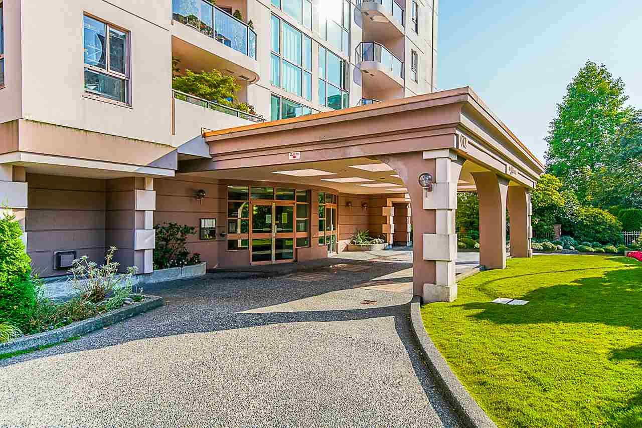 """Main Photo: 1405 612 FIFTH Avenue in New Westminster: Uptown NW Condo for sale in """"The Fifth Avenue"""" : MLS®# R2527729"""