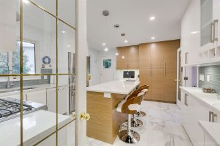 Photo 9: 6858 PATTERSON Avenue in Burnaby: Metrotown House for sale (Burnaby South)  : MLS®# R2374130