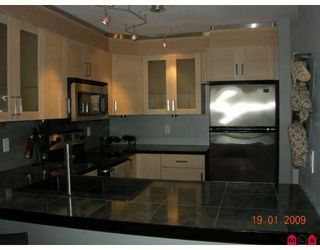 """Photo 5: 103 1369 GEORGE Street in White_Rock: White Rock Condo for sale in """"Cameo Terrace"""" (South Surrey White Rock)  : MLS®# F2900966"""