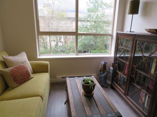 """Photo 10: 201 200 KLAHANIE Drive in Port Moody: Port Moody Centre Condo for sale in """"SALAL"""" : MLS®# R2222800"""