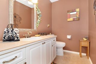 """Photo 11: 6139 W BOUNDARY Drive in Surrey: Panorama Ridge Townhouse for sale in """"LAKEWOOD GARDENS"""" : MLS®# F1448168"""