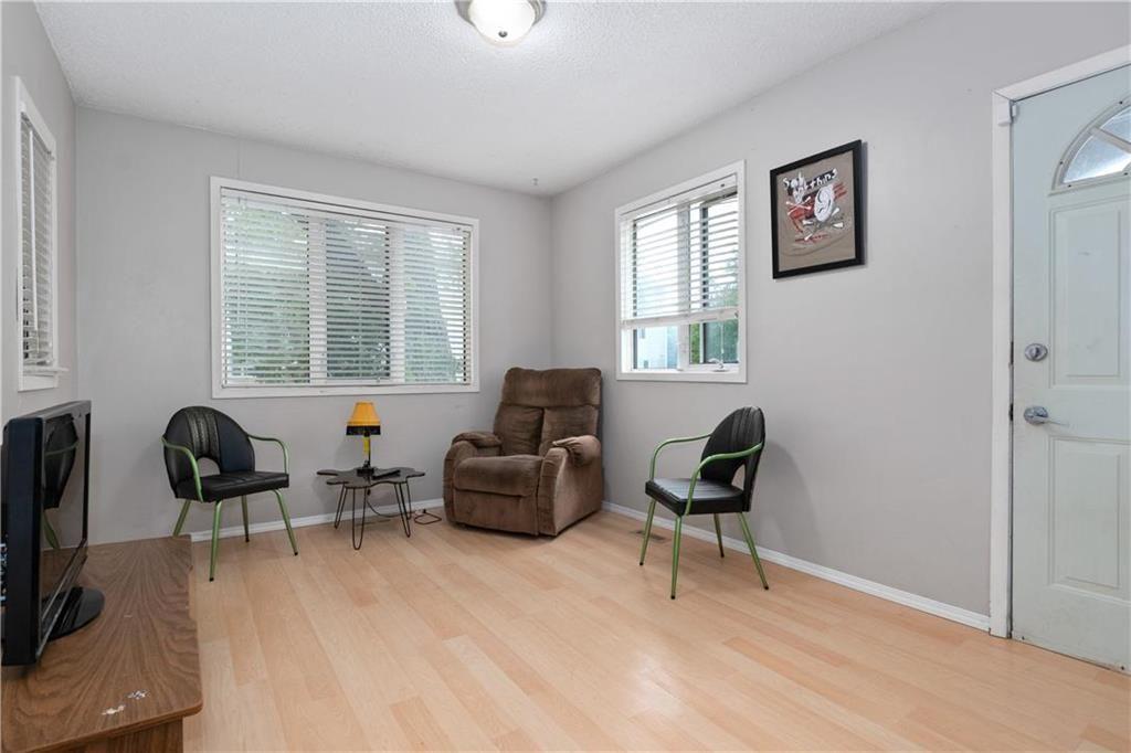 Photo 3: Photos: 364 Lariviere Street in Winnipeg: Norwood Residential for sale (2B)  : MLS®# 202115255