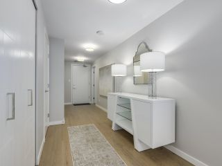 """Photo 2: 910 2888 CAMBIE Street in Vancouver: Fairview VW Condo for sale in """"The Spot"""" (Vancouver West)  : MLS®# R2343734"""