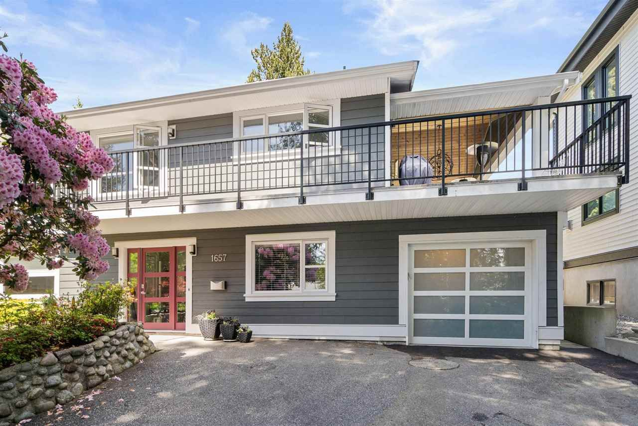 Main Photo: 1657 LINCOLN Avenue in Port Coquitlam: Oxford Heights House for sale : MLS®# R2580347