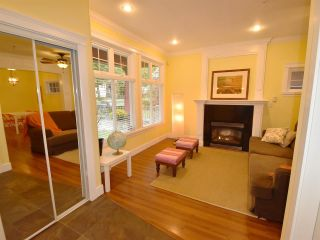 Photo 4: 1785 E 14TH Avenue in Vancouver: Grandview VE 1/2 Duplex for sale (Vancouver East)  : MLS®# R2113993