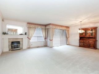 """Photo 2: 116 9781 148A Street in Surrey: Guildford Townhouse for sale in """"CHELSEA GATE"""" (North Surrey)  : MLS®# F1406838"""