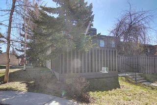 Photo 3: 129 210 86 Avenue SE in Calgary: Acadia Row/Townhouse for sale : MLS®# A1121767