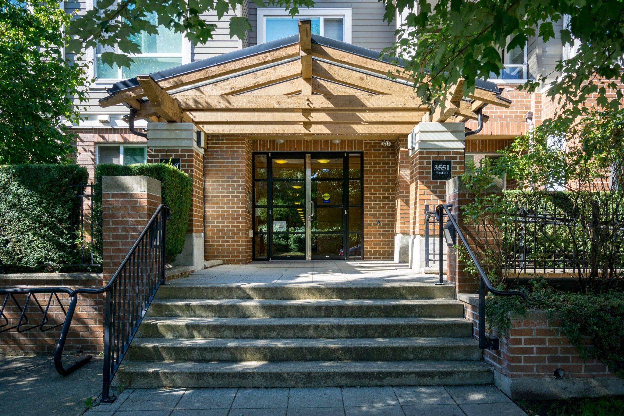Photo 26: Photos: 208 3551 FOSTER Avenue in Vancouver: Collingwood VE Condo for sale (Vancouver East)  : MLS®# R2291555