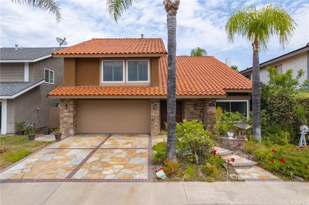 Main Photo: 21422 Via Floresta in Lake Forest: Residential for sale (LS - Lake Forest South)  : MLS®# OC21164178