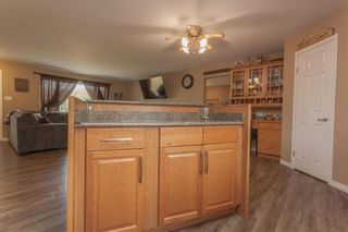 Photo 4: 299 OAKENWALD Crescent in Mitchell: R16 Residential for sale : MLS®# 202117711