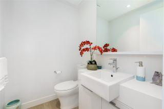 """Photo 25: 101 1055 RIDGEWOOD Drive in North Vancouver: Edgemont Townhouse for sale in """"CONNAUGHT"""" : MLS®# R2589263"""
