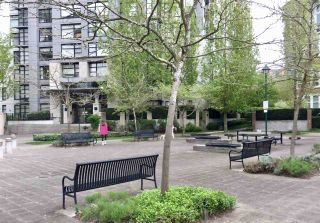 Photo 13: 201 5380 OBEN Street in Vancouver: Collingwood VE Condo for sale (Vancouver East)  : MLS®# R2177931