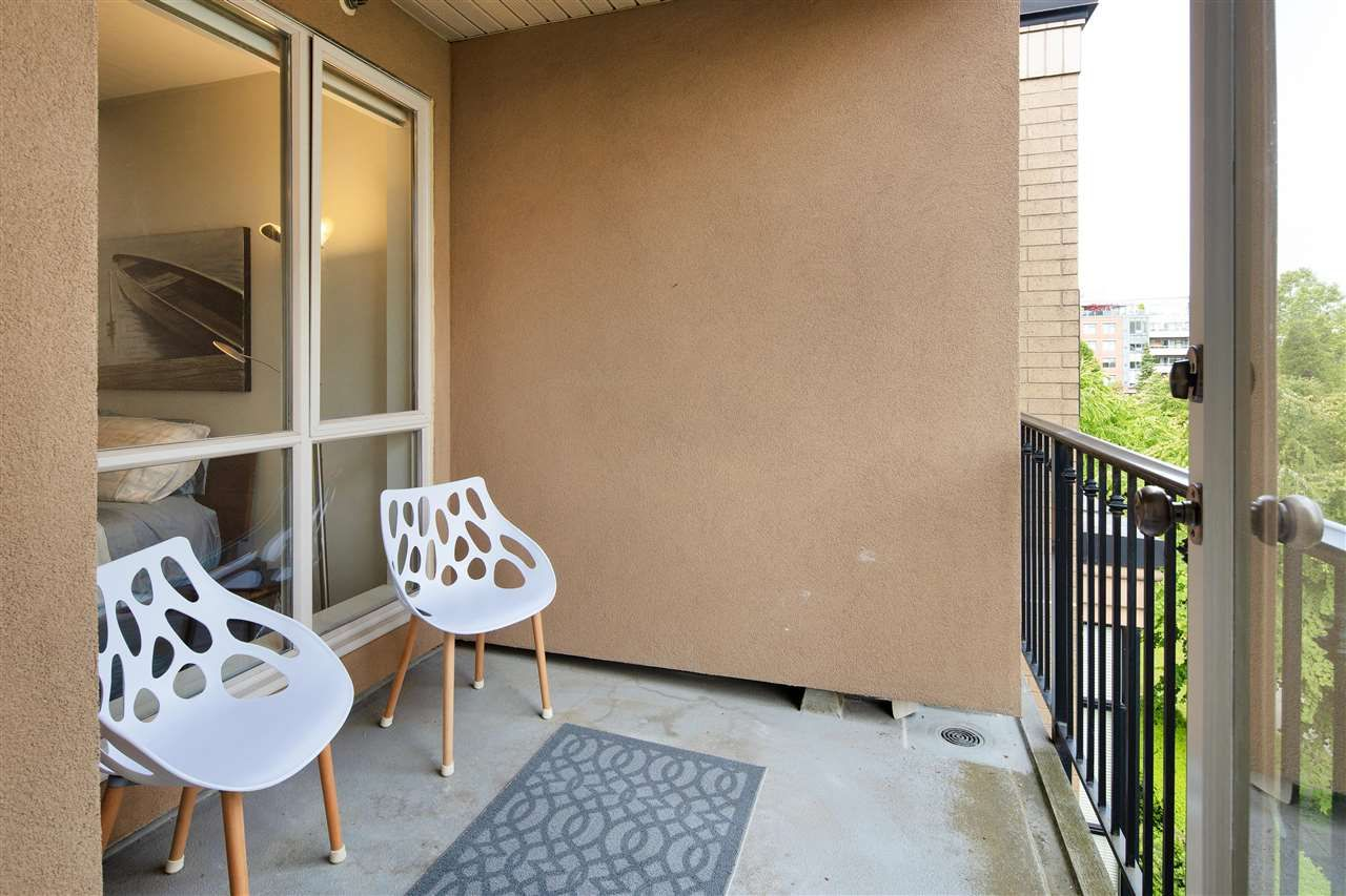 """Photo 16: Photos: 304 2175 SALAL Drive in Vancouver: Kitsilano Condo for sale in """"SAVONA"""" (Vancouver West)  : MLS®# R2460971"""