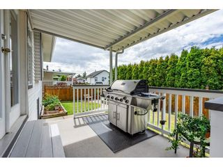"""Photo 18: 6495 180 Street in Surrey: Cloverdale BC House for sale in """"Orchard Ridge"""" (Cloverdale)  : MLS®# R2396953"""