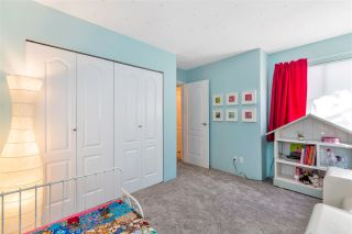 """Photo 40: 3 925 TOBRUCK Avenue in North Vancouver: Mosquito Creek Townhouse for sale in """"KENSINGTON GARDEN"""" : MLS®# R2510119"""