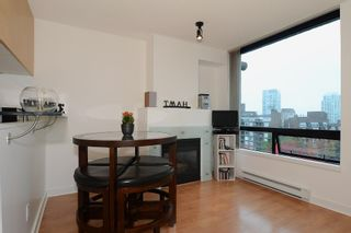 Photo 5: 706 1003 BURNABY Street in Vancouver: West End VW Condo for sale (Vancouver West)  : MLS®# V977698