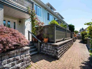 Photo 1: 6 232 E 6TH Street in North Vancouver: Lower Lonsdale Townhouse for sale : MLS®# R2393967