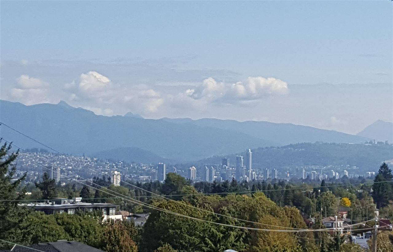 Main Photo: 5445 MANITOBA STREET in Vancouver: Cambie House for sale (Vancouver West)  : MLS®# R2199560