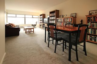 """Photo 3: 903 615 BELMONT Street in New Westminster: Uptown NW Condo for sale in """"BELMONT TOWERS"""" : MLS®# R2152611"""