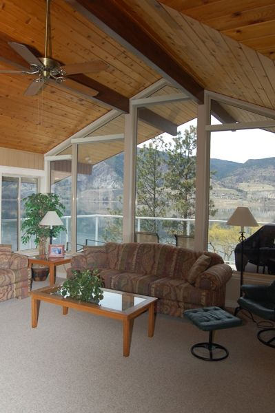 Photo 4: Photos: 4021 Lakeside Road in Penticton: Penticton South Residential Detached for sale : MLS®# 136028