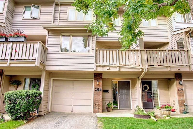 FEATURED LISTING: 206 Point Mckay Terrace Northwest Calgary