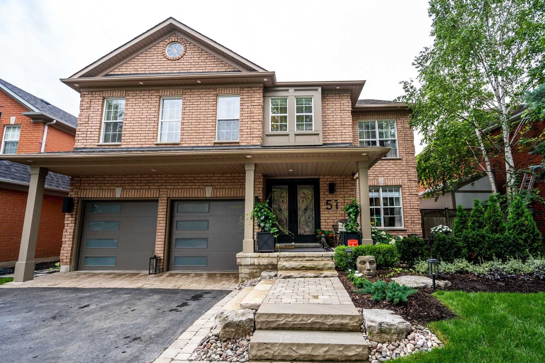 Main Photo: 51 Gartshore Drive in Whitby: Williamsburg House (2-Storey) for sale : MLS®# E5306981