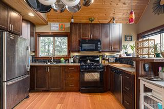 Photo 6: 4401 Marsden Rd in : CV Courtenay West House for sale (Comox Valley)  : MLS®# 863298