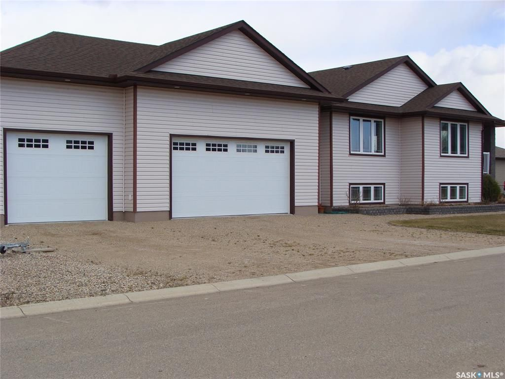 Photo 3: Photos: 601 4th Street West in Watrous: Residential for sale : MLS®# SK833946