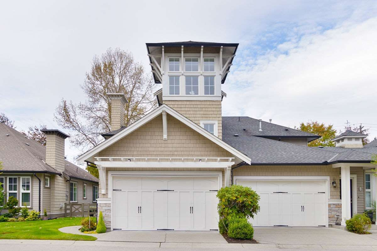 "Main Photo: 40 19452 FRASER Way in Pitt Meadows: South Meadows Townhouse for sale in ""SHORELINE"" : MLS®# R2511047"