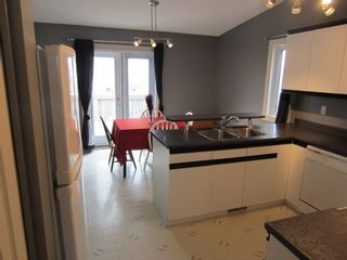 Photo 2:  in Eaglemere: House for sale