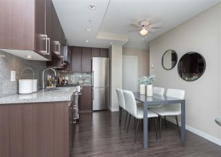"""Photo 5: 557 168 W 1ST Avenue in Vancouver: False Creek Condo for sale in """"WALL CENTRE FALSE CREEK WEST TOWER"""" (Vancouver West)  : MLS®# R2372215"""