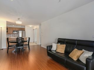 Photo 6: 308 988 West 54th Avenue in Hawthorne House: South Cambie Home for sale ()  : MLS®# R2040205